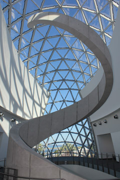 Dali glass atrium ©The Dali Museum