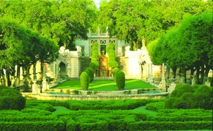 View from the South Terrace to The Mound &#169 Vizcaya Museum and Gardens