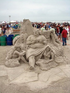 Amazing sand sculpture @ TheSandLovers dot com
