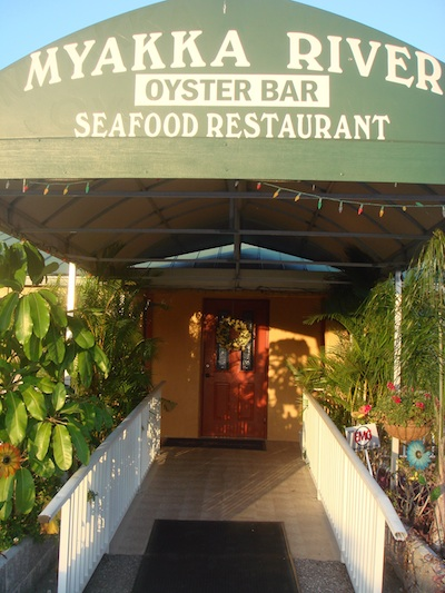 Myakka River Oyster Bar © Holiday Tripper