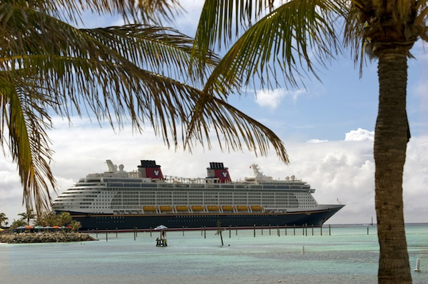 Disney Fantasy at Castaway Cay © The Walt Disney Company