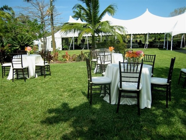 Outdoor garden wedding (credit: Fairchild Tropical Botanic Garden)