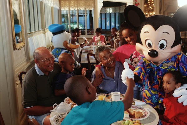Character Meals (credit: The Walt Disney Company)
