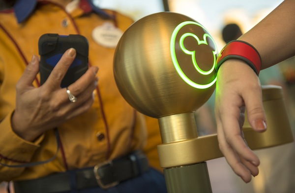 MagicBand (credit: The Walt Disney Company)